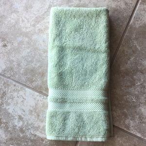 NWOT Pottery Barn hand towel